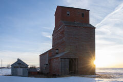 grain elevator, saskatchewan, saskatchewan pool, penkill, starburst, sun star