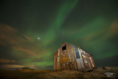 iceland, aurora, borealis, farm, farmhouse, abandoned house, grassland, harunin, green, red, stars, northern lights, barn, spirit, coronal mass ejection, solar flare, energy, nordic, arctic, alien
