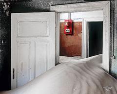 namibia, fire alarm, code red, namib desert, desert, sand, doors, door, doorway, dunes, ghost town, kolmanskop, kolmanskuppe, luderitz, abandoned, town, diamond mining, flooded, homes, home, black and