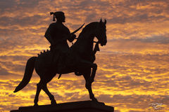 silhouette, india, sunset, fiery sky, clouds, red, horse, statue, warrior, conquistador, conquest