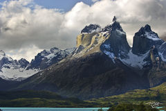 Parque Nacional Torres del Paine, cuerno, cuernos, cuerno principal, dramatic light, torres del paine, national park, mountain, patagonia, chile, snow covered peak, jagged peak, lago nordenskjold