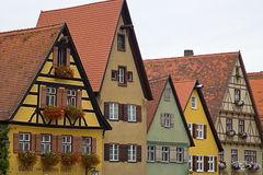 germany, Dinkelsbühl, medieval village, medieval, windows, bavarian, flowerboxes, flowerbox, medieval architecture, tudor, roof, patterns, village, town, bavaria, romantische strasse, romantic road