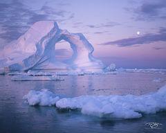 greenland, ilulissat, 2018, ilulissat icefjord, Kangia icefjord, ice, iceberg, dusk, twilight, icefjord, disko bay, cloudy, ice arch, arch, predawn, underwater iceberg, pink, lavender, magenta