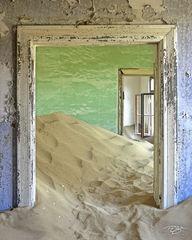 namibia, south west africa, namib desert, desert, sand, doors, door, doorway, dunes, ghost town, kolmanskop, kolmanskuppe, luderitz, abandoned, town, diamond mining, flooded, homes, home, window, peel