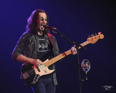 rush, soloing, fender, geddy lee, in concert, performing, rock concert, clockwork angels tour, 2012, bass guitar, buckwheat, singing