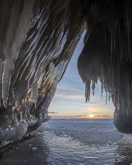 russia, lake baikal, siberia, ice, winter, Pribaikalsky National Park, Прибайкальский национальный парк, Pribaykalski National Park, ice cave, cape izhimey, izhimey cape, olkhon island, sunrise