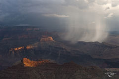 arizona, grand canyon, monsoon, showers, storm, rainstorm, thunder, lightning, Showers in the Canyon, eye of the storm, selective lighting