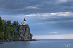 lighthouse, split rock, lake superior, duluth, minnesota, wisconsin, light, beacon, dark skies, pier, rocky, jetty, rugged coast, north shore, long exposure, stormy, cold
