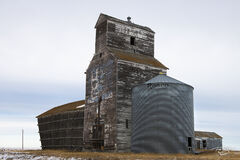 grain elevator, saskatchewan, ugg, united grain growers, lake valley, leaning, victoria, mccabe