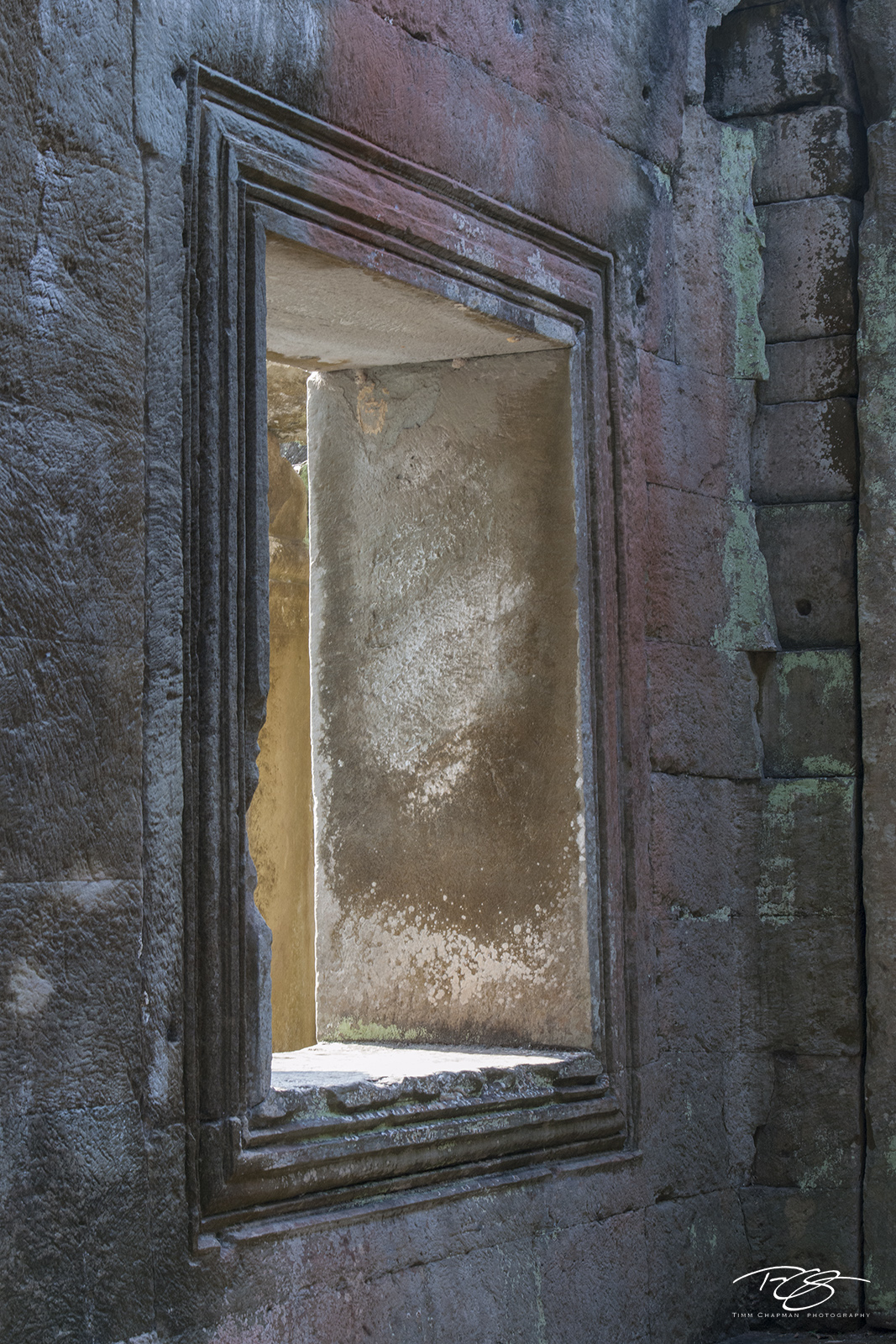 Light and Shadow bring to life the soft hues of the Preah Khan temple patina