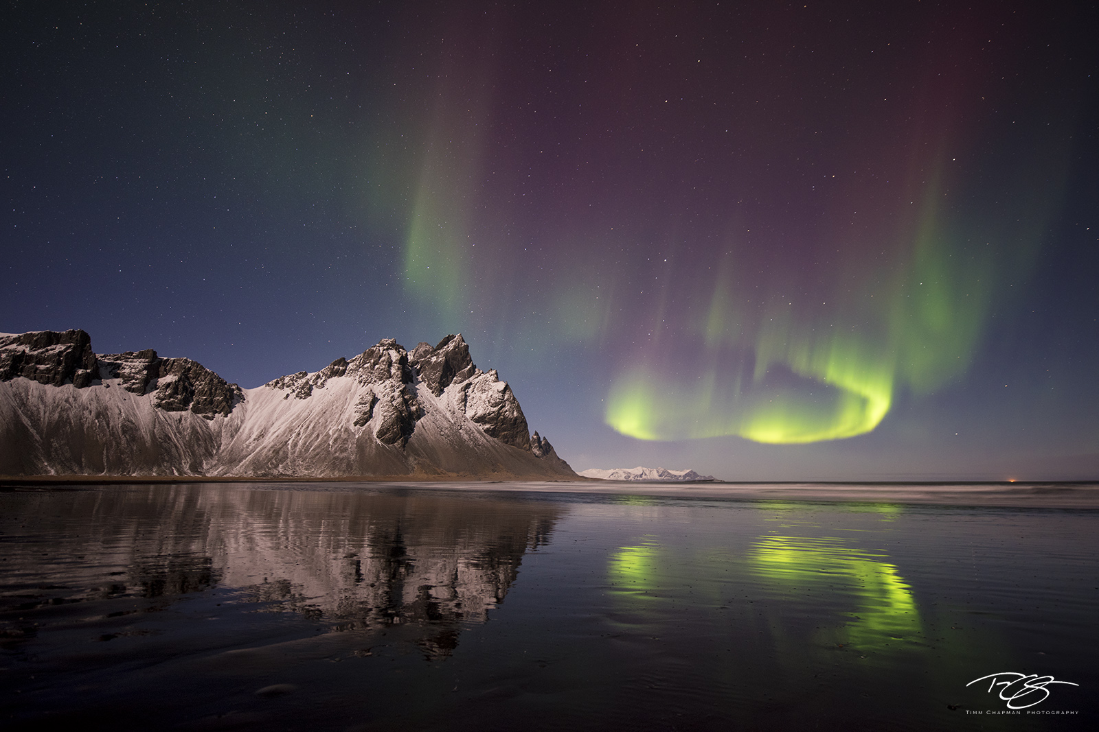Iceland, aurora, borealis, green, Vestrahorn, stars, northern lights, spirit, coronal mass ejection, solar flare, energy, nordic, arctic, stokksnes, vesturhorn, reflection, mountains, photo