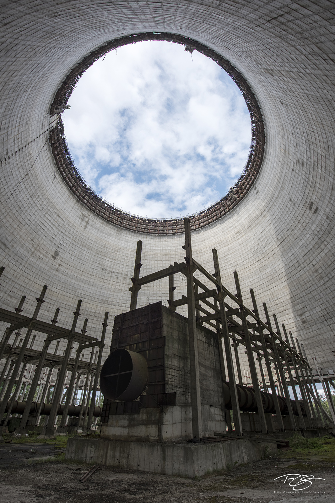 chernobyl, chornobyl, pripyat, exclusion zone, abandoned, forgotten, wasteland, radioactive, decay, peeling paint, cooling tower, power plant, nuclear power, reactor 4, power station, photo