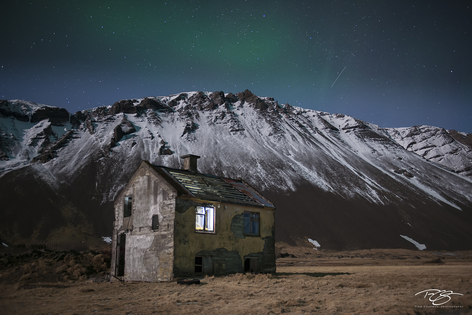 Iceland, aurora, borealis, green, abandoned, stars, northern lights, spirit, coronal mass ejection, solar flare, shooting star, nordic, arctic, farmhouse, house, deserted, forsaken, a sign from above, photo