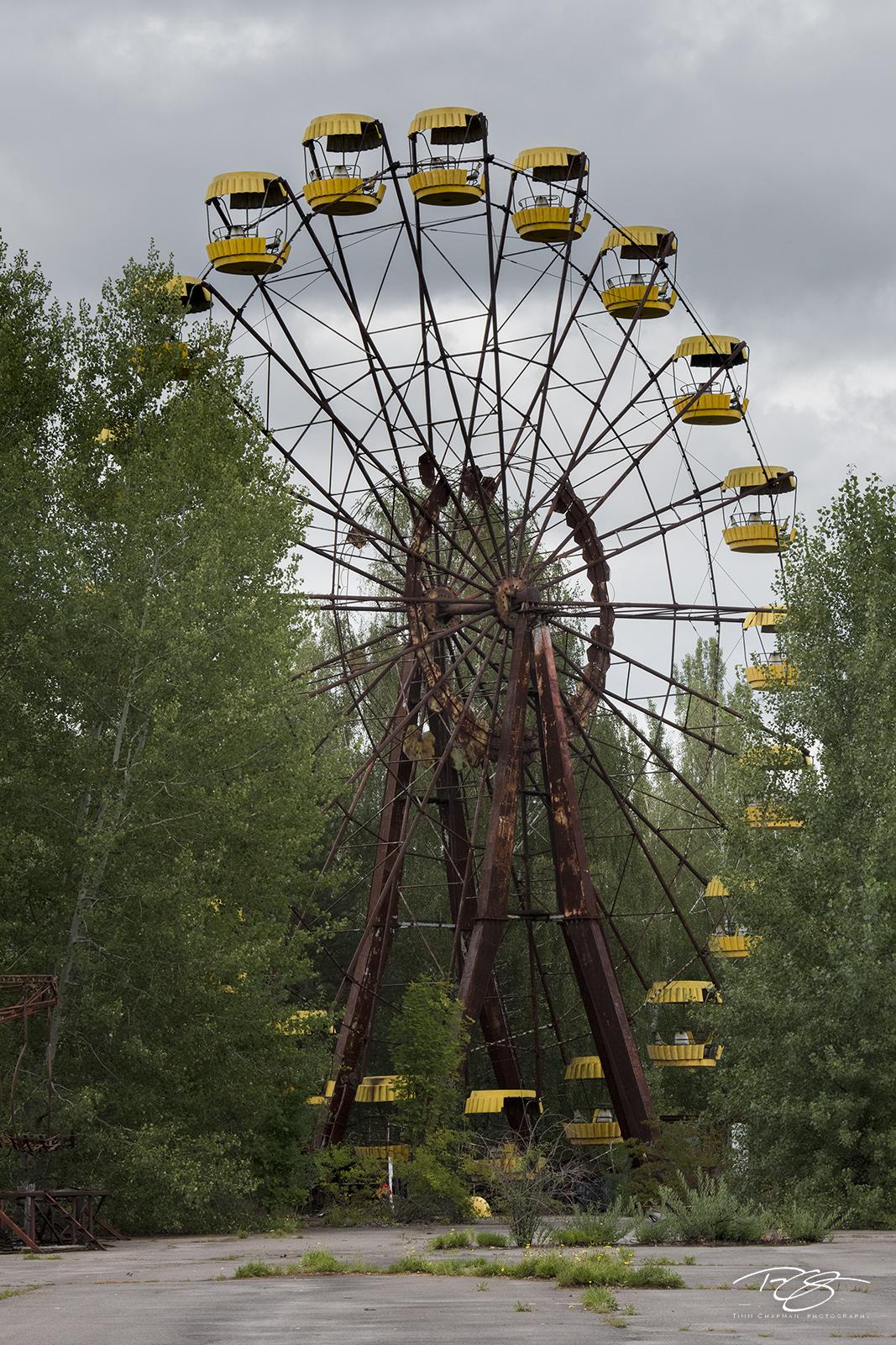 chernobyl, chornobyl, pripyat, exclusion zone, abandoned, forgotten, wasteland, radioactive, decay, rust, ferris wheel, amusement park, spooky, pripyat, yellow, fair, state fair, Not Amused, mold, photo
