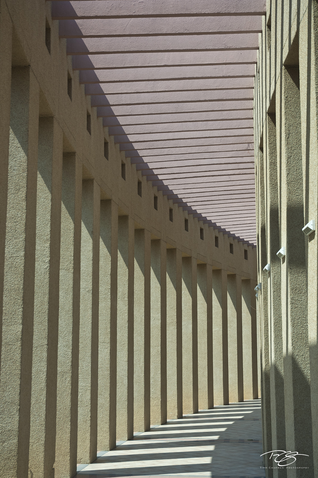 light, shadow, abstract, architecture, columns, leading lines, sweeping, rem, rapid eye movement, beige, lavender, photo