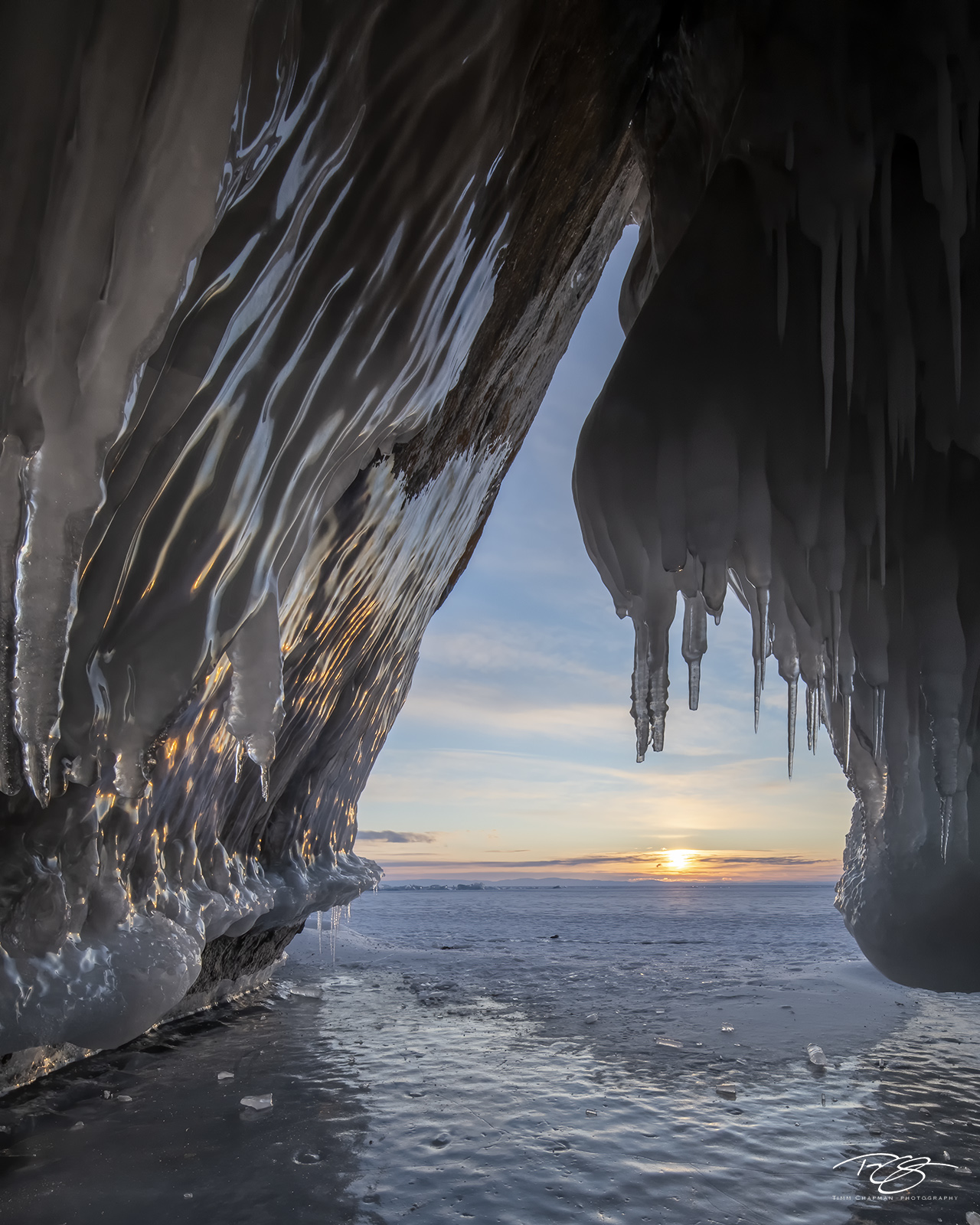 russia, lake baikal, siberia, ice, winter, Pribaikalsky National Park, Прибайкальский национальный парк, Pribaykalski National Park, ice cave, cape izhimey, izhimey cape, olkhon island, sunrise, photo