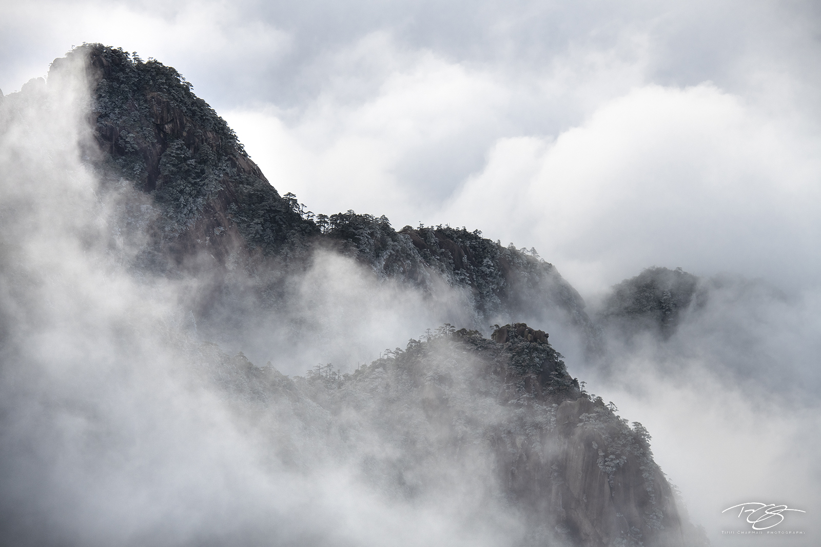 huangshan, china, yellow mountains, floating mountains, clouds, inversion, fog, smoke, smoke show, billowing, mountain