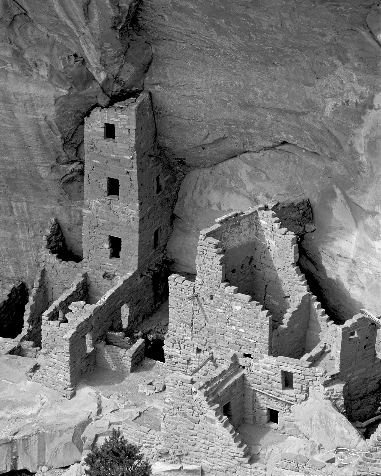 Colorado, Mesa Verde, Square Tower House, Cliff Dwelling, Ceremonial, Anasazi, The Ancient Ones, Ancestral Puebloans, navajo, black and white, monochrome, ruins, photo