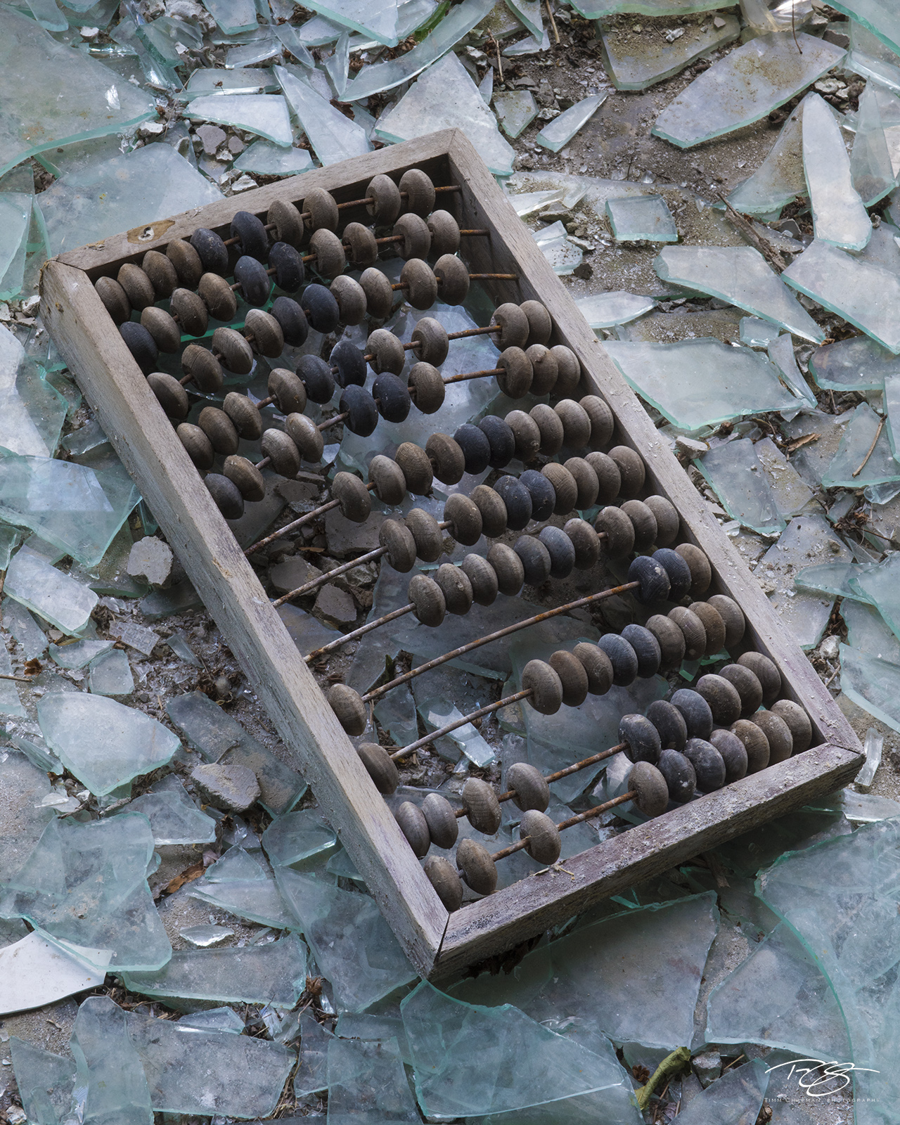chernobyl, chornobyl, pripyat, exclusion zone, abandoned, forgotten, wasteland, radioactive, decay, broken glass, abacus, calculator, photo