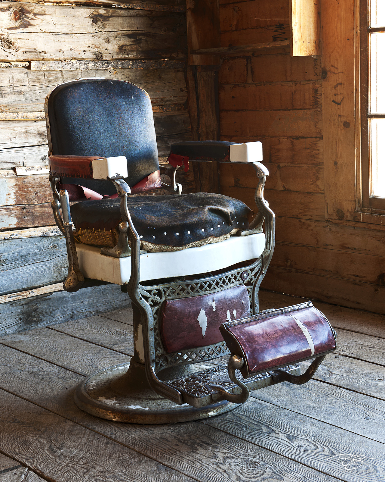 barber chair, old west, gold rush, shave, haircut, vintage chair, old barber chair, barber's chair, shave and a haircut, take a seat, have a seat, antique barber chair, koken barber chair, koken, st. , photo