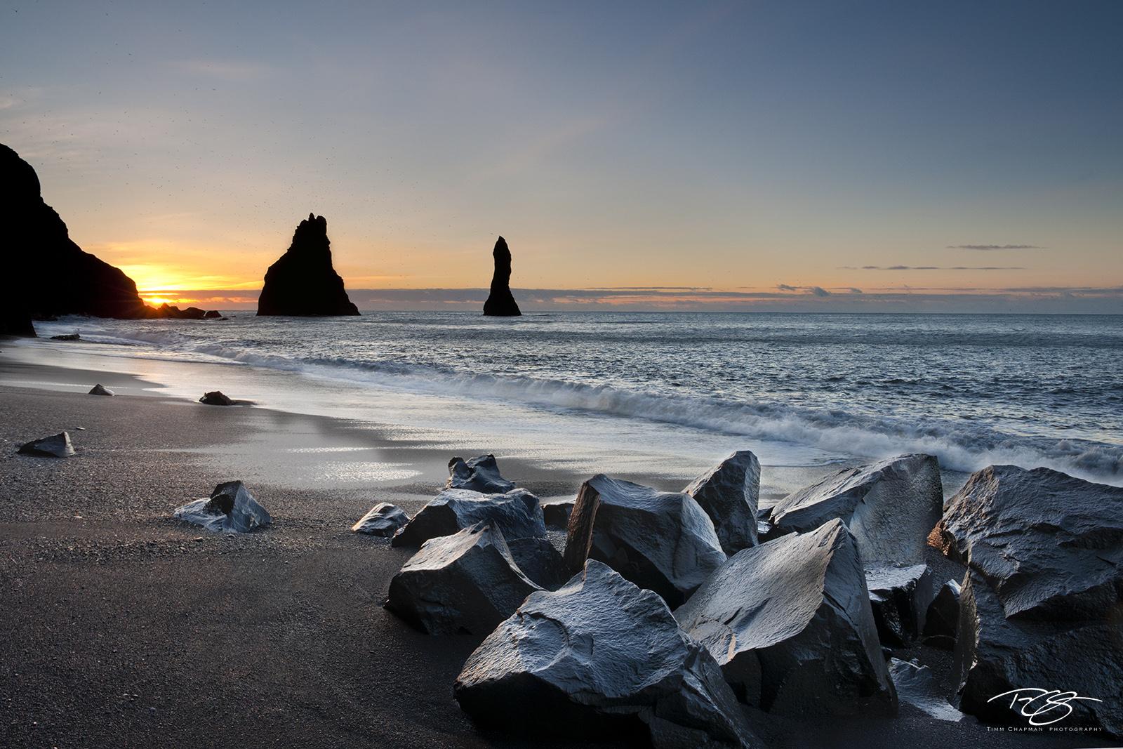 iceland, vik, Reynisfjara, Myrdalur, South Coast, black pebble beach, black sand, basalt, sunrise, sea stacks, Reynisdrangar, black rocks, mist, salt spray, morning mist, silhouette, shore, beach, photo