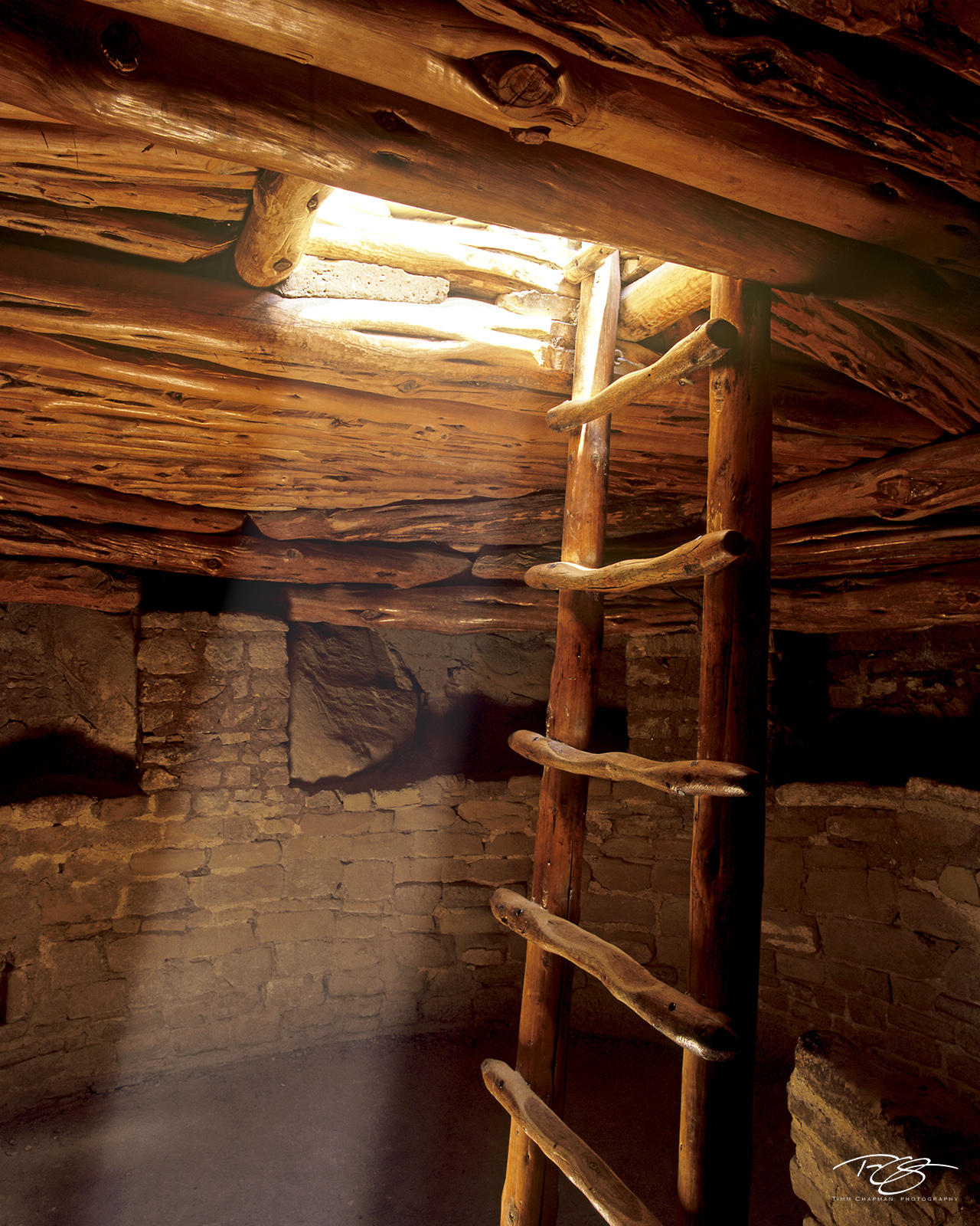 Colorado, Mesa Verde, Spruce Tree House, Kiva, Light Beam, Ladder, Cliff Dwelling, Ceremonial, Anasazi, The Ancient Ones, Ancestral Puebloans, ruins, sacred, navajo, indian, photo