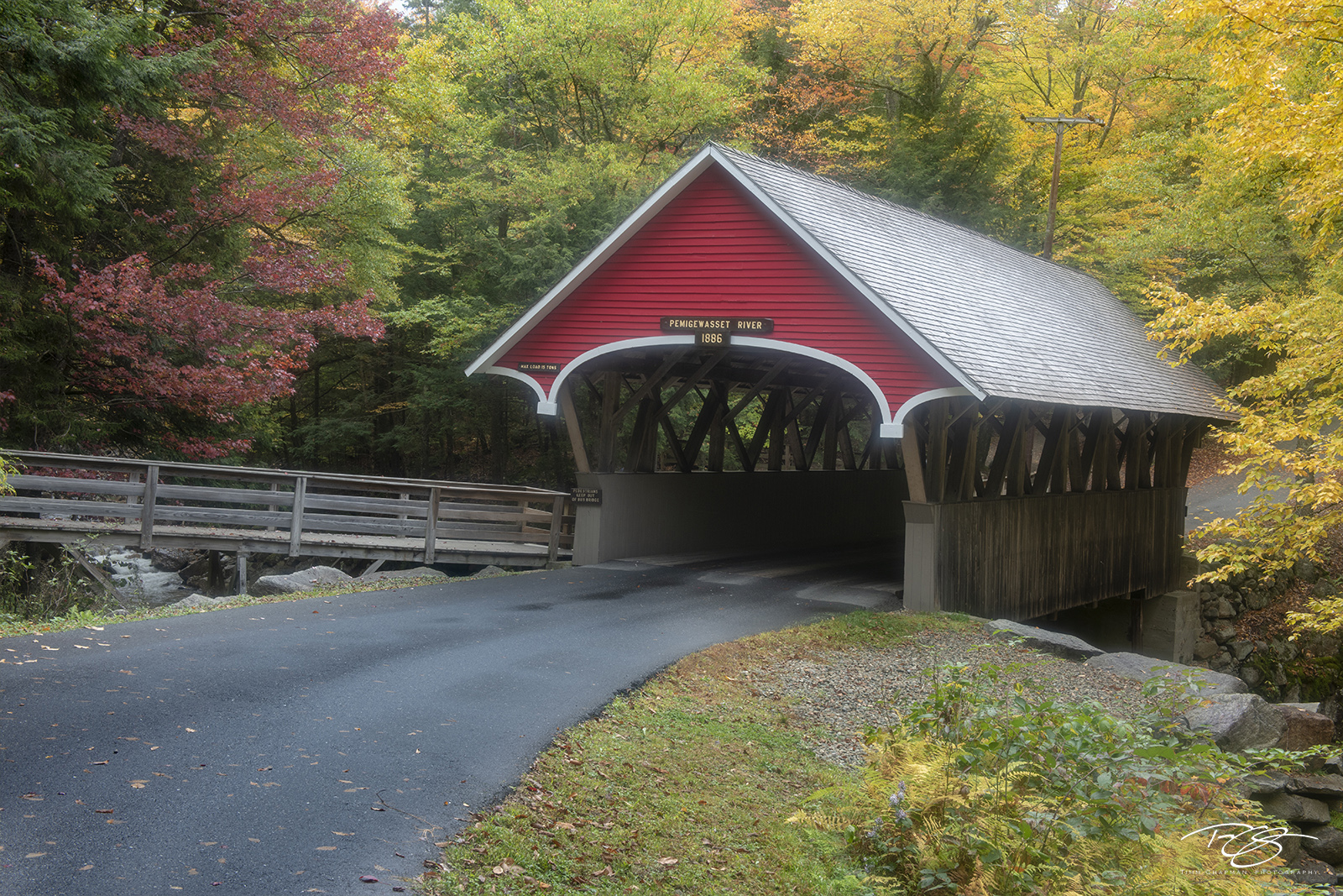 autumn, fall, colour, colours, color, colors, leaves, new england, The Flume Covered Bridge, Franconia Notch State Park, New Hampshire, flume, covered bridge, flume bridge, photo