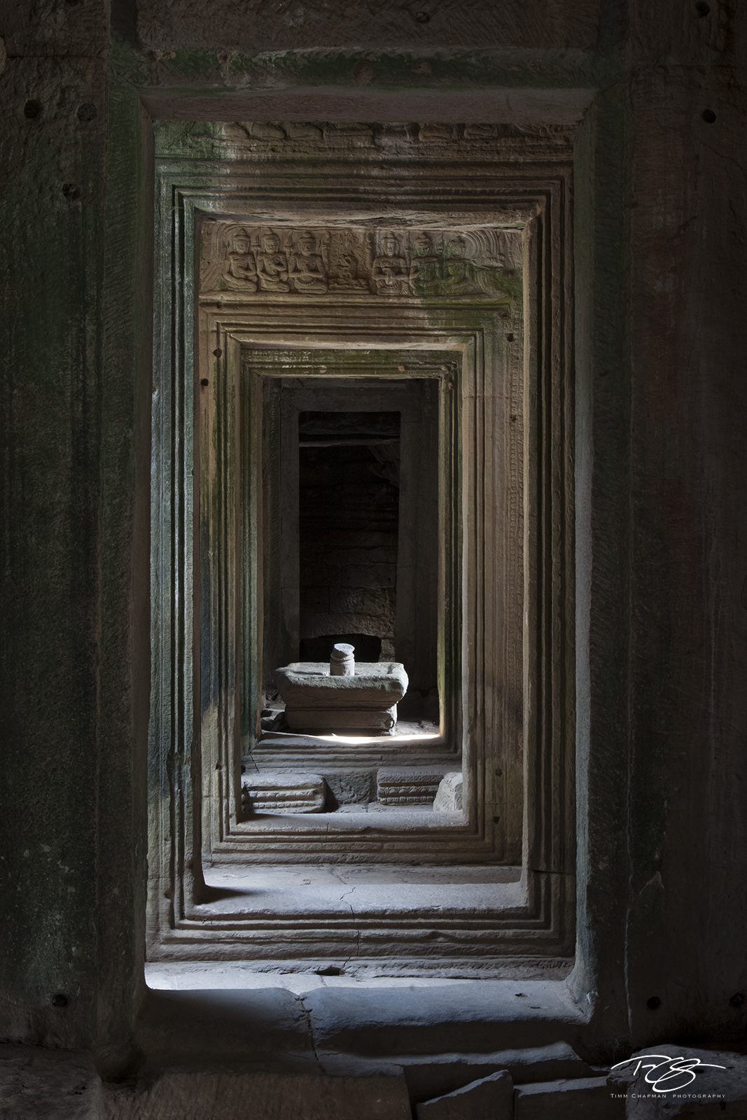 angkor wat, cambodia, temple, bayon, angkor thom, Linga, carving, stone, phallic, shiva, hinduism, buddhism, vishnu, doorways, chambers, light, shadow, sculpture, ancient, library, doorway, door, aban, photo