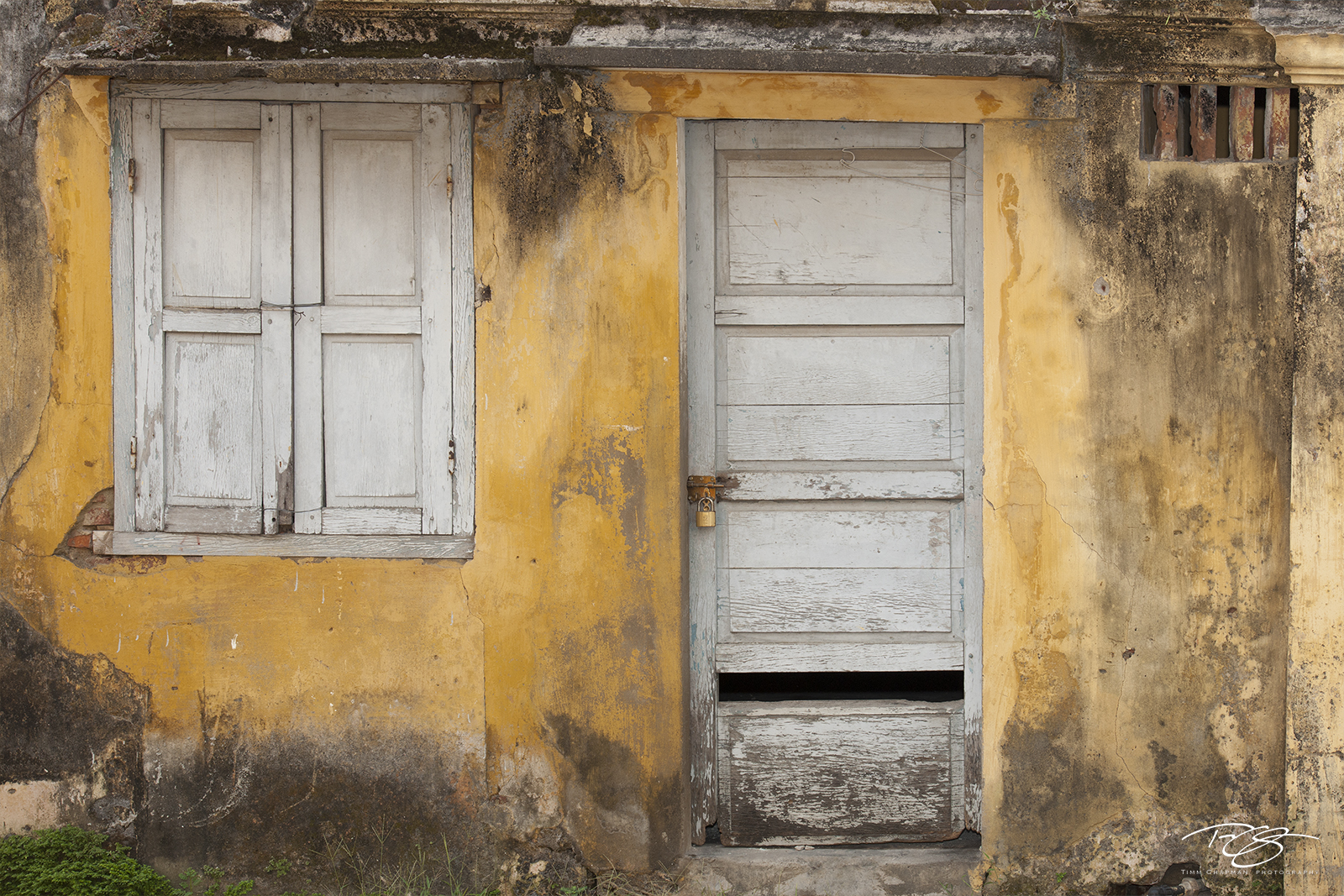 vietnam, door, window, yellow wall, shutters, hoi an, worn paint, peeling paint