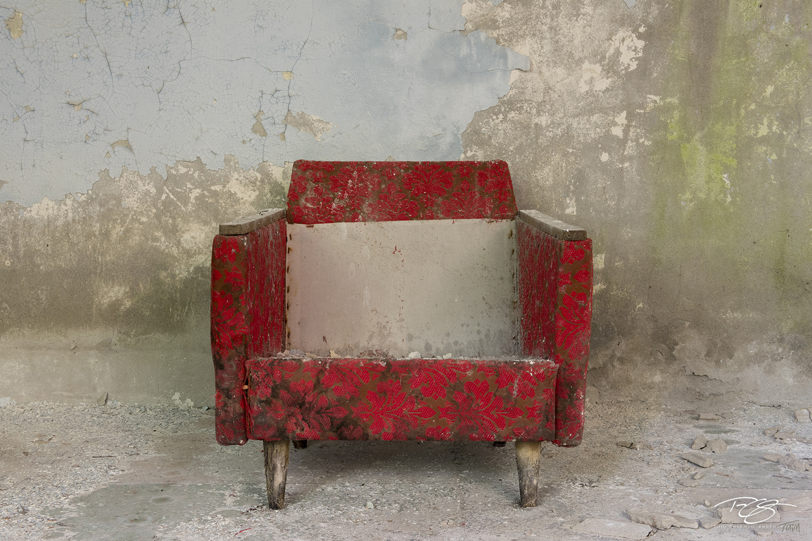 chernobyl, chornobyl, pripyat, exclusion zone, abandoned, forgotten, wasteland, radioactive, decay, peeling paint, red chair, upholstered, chair, old chair, worn, dirty, weathered, debris, chair, photo